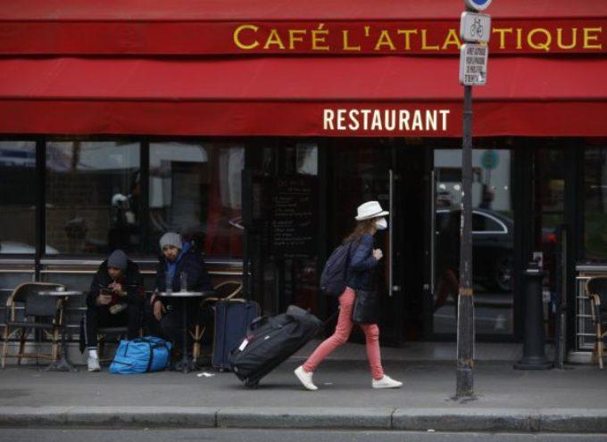 Coronavirus, Francia chiude bar e ristoranti
