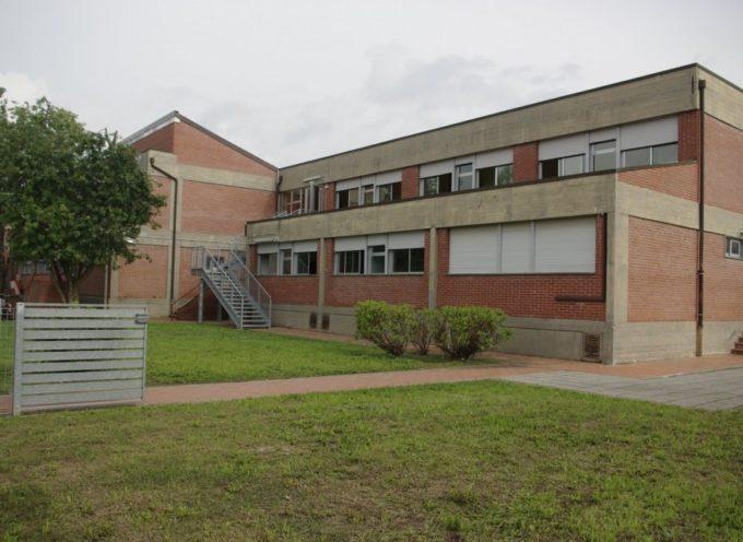 A nuovo i bagni della scuola primaria di Lammari e della secondaria di Camigliano