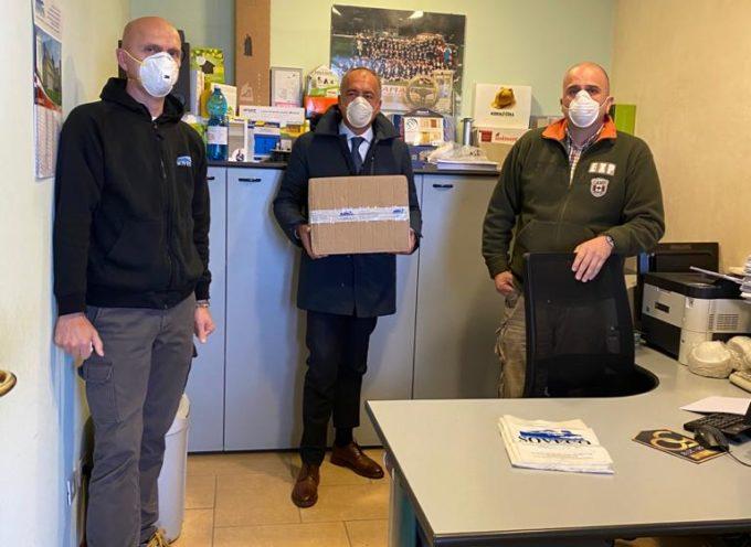 La Soveco dona mascherine, guanti e spray igienizzante al sindaco di massarosa