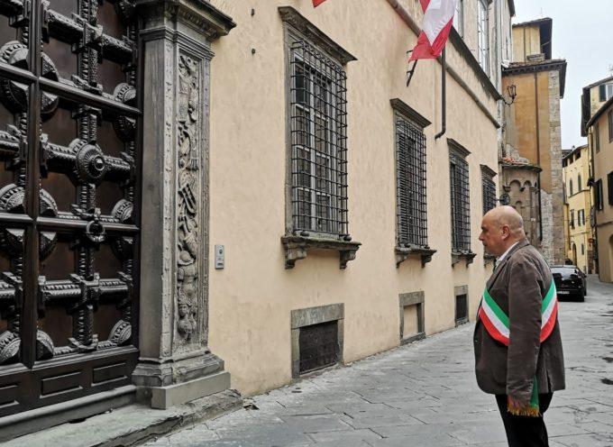 Anche a Lucca un minuto di silenzio per manifestare cordoglio per le vittime della pandemia