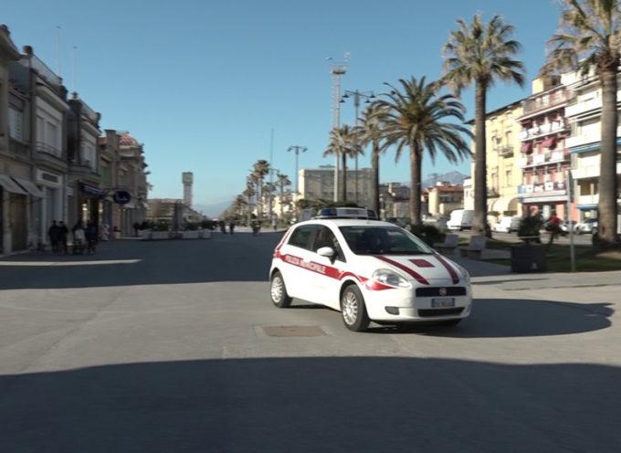 Chiuse spiagge e Passeggiata: firmata l'ordinanza a Viareggio