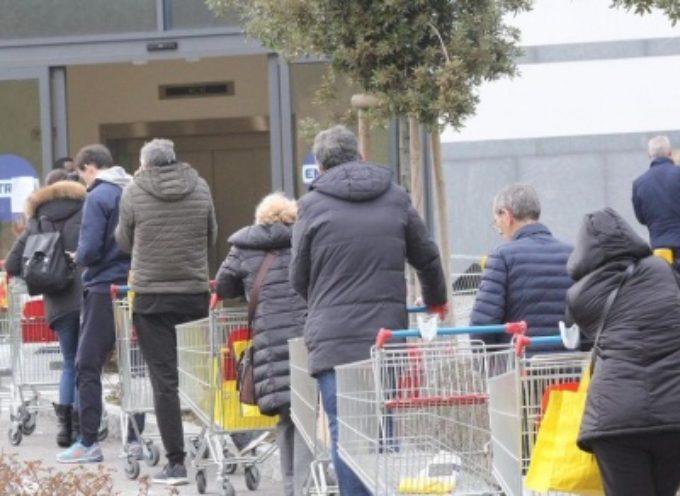 PIETRASANTA – mascherina obbligatoria al supermercato (e non solo), c'è l'ordinanza del sindaco