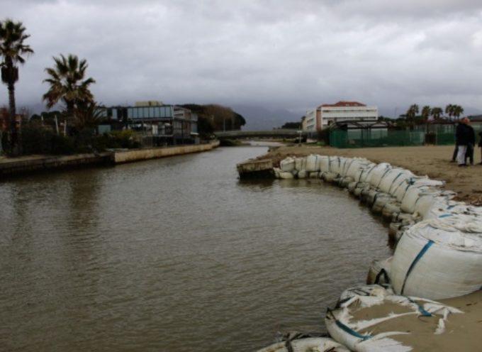 argini fragili foce Motrone-Fiumetto, comune in pressing su Regione Toscana anche per consentire spianatura e manutenzioni