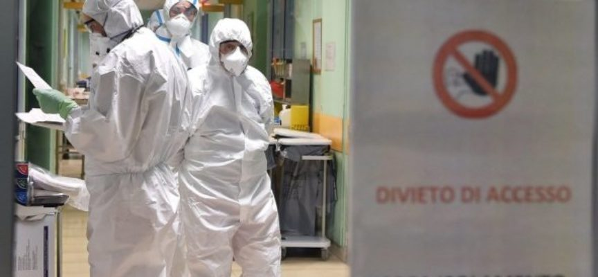 Coronavirus, Marchetti (FI): «Turni più brevi nei reparti covid-19.Sanitari rinunciano persino a andare in bagno pur di non svestirsi»