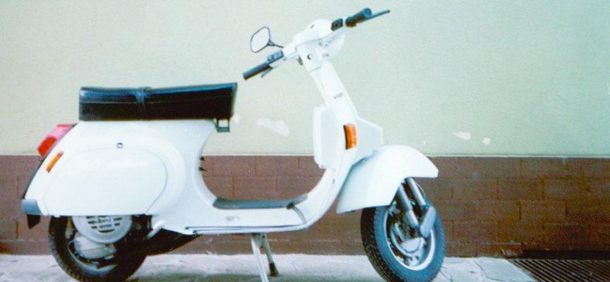 """ACCADDE OGGI – 23 aprile 1946. L'azienda Piaggio deposita il brevetto per """"motocicletta – LA VESPA"""
