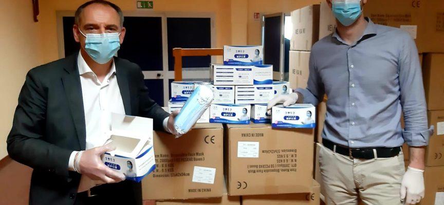 CAPANNORI – Coronavirus: parte stamani 7 aprile la consegna delle mascherine monouso fornite dalla Regione.