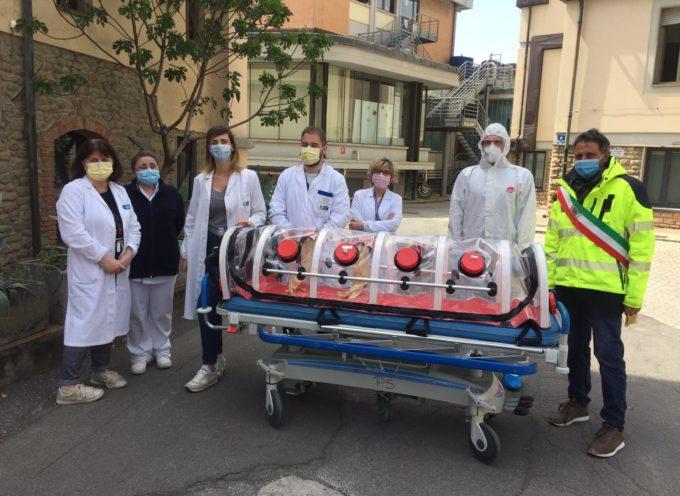Il comune di Pescia mette a disposizione dell'ospedale Ss Cosma e Damiano una barella per trasporto in biocontenimento