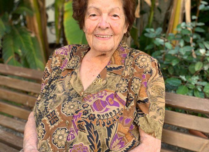 MASSAROSA – Una pergamena di auguri per i 100 anni della maestra Maria Posi