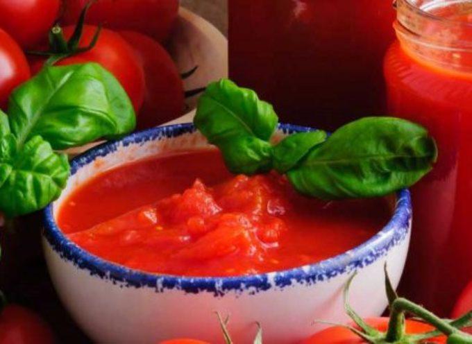 Frammenti di vetro nella salsa di pomodoro. Allerta del Ministero della Salute