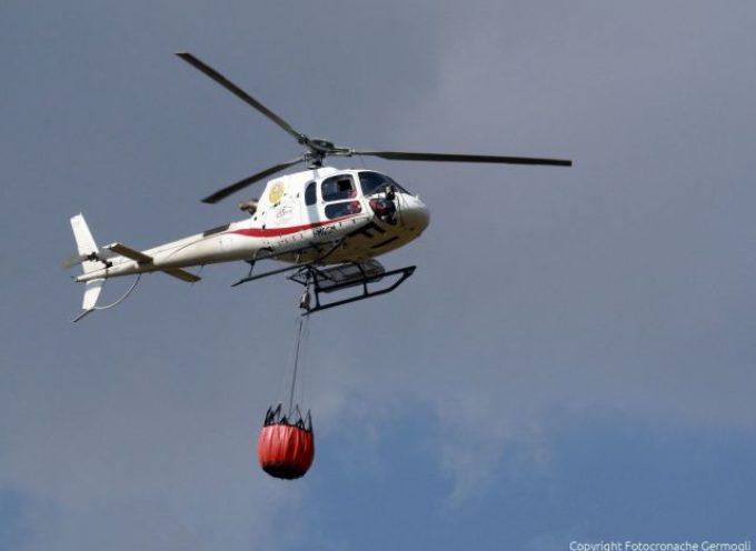 Incendi in lucchesia e Mugello, intervenuti gli elicotteri regionali