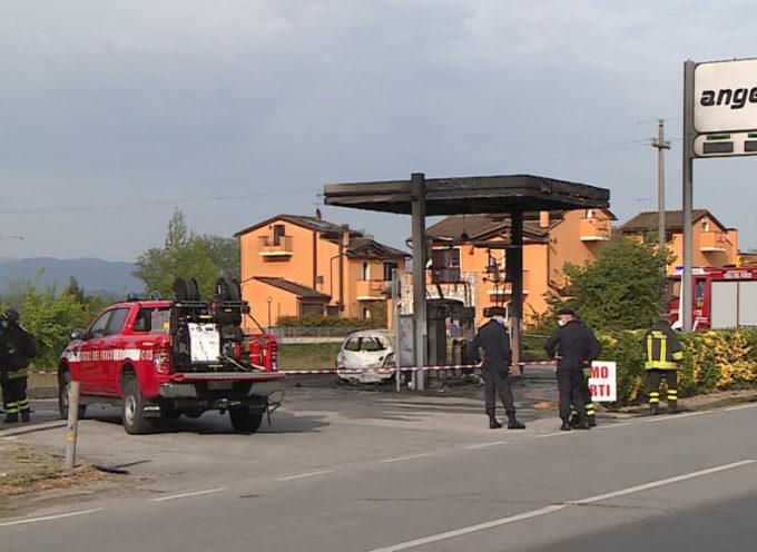 Tragedia al distributore, automobilista muore avvolto dalle fiamme