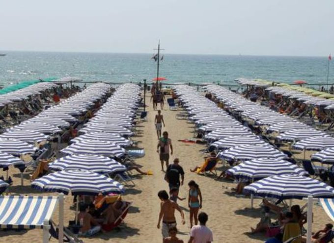 Stagione turistica, i balneari chiedono tempi certi