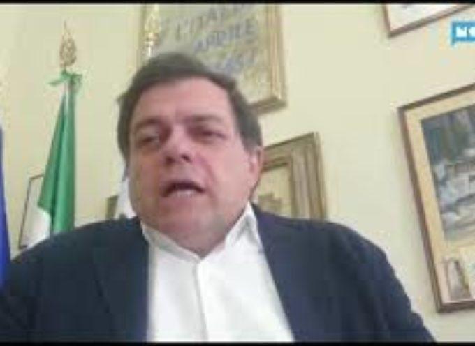 """Pietrasanta, diventa un caso il video del sindaco; """"Ha bevuto""""; """"No, ero solo stanco"""""""