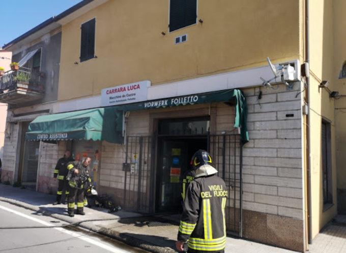 Incendio a Fornaci, a fuoco un negozio in via della repubblica