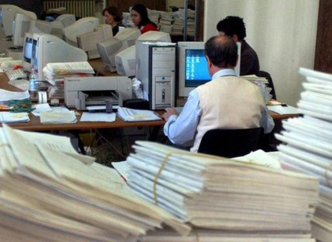 Dipendenti pubblici, ritorno in ufficio lontano: smart working per tutta la fase due?