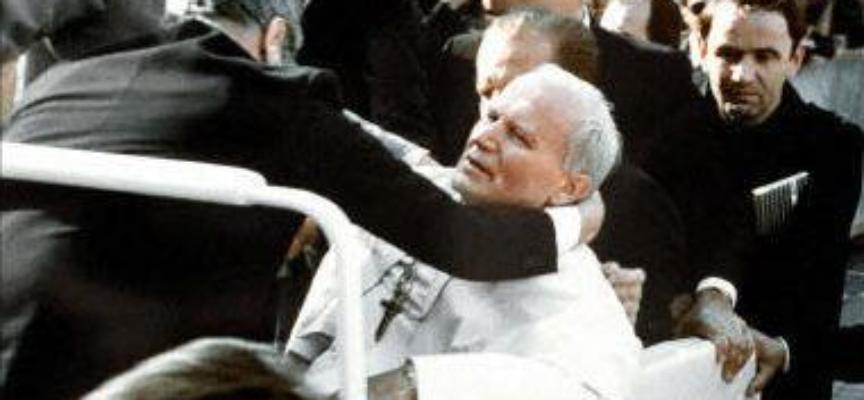 Il 13 maggio 1981, papa Giovanni Paolo II subiva un attentato in piazza San Pietro:
