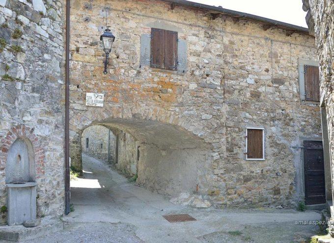 OGGI  VISITIAMO METRA Piccola frazione del comune di Minucciano vicino al Passo dei Carpinelli