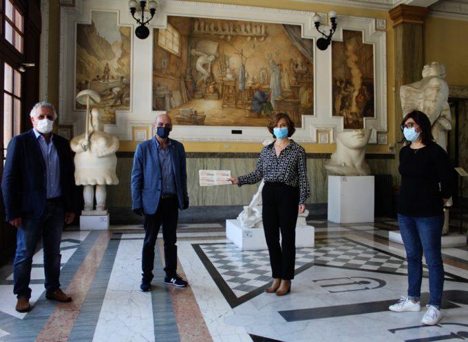 Pietrasanta –  2.000 euro di buoni spesa dal Rotary Club Viareggio Versilia per famiglie bisognose,