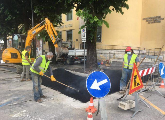 barriere architettoniche, nuovi interventi per rimuovere radici e avvallamenti in Piazza Matteotti e collegamento stazione-Piazza Carducci