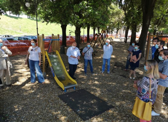Iniziati questa mattina i lavori che renderanno il parco giochi di piazzale San Donato accessibile a tutti i bambini
