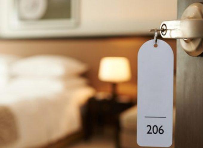 il crollo dell'industria alberghiera trascina a fondo le altre filiere