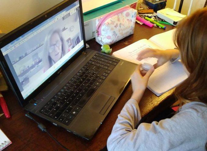 Consegnati oltre 80 strumenti informatici tra computer e tablet agli studenti per la didattica a distanza.