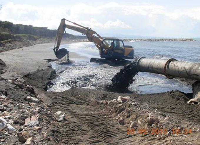 Erosione costiera, ripresi i lavori sulla spiaggia di Poveromo