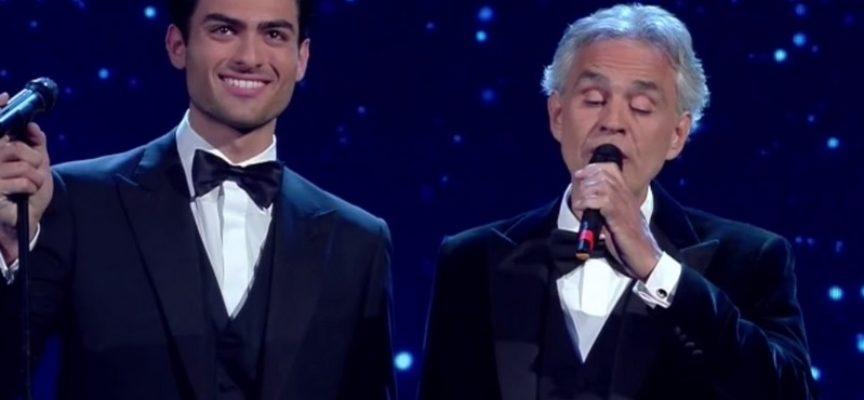 """Andrea Bocelli dona il plasma: """"Io e la mia famiglia abbiamo avuto il coronavirus"""""""
