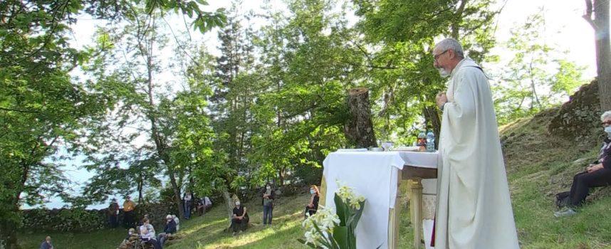 Una grande messa a cielo aperto a Capraia