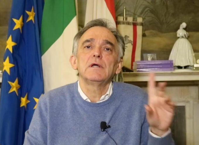 Rossi firma la nuova ordinanza con il calendario delle riaperture in Toscana