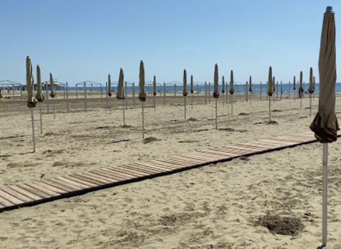 La spiaggia del Lido si prepara: le misure del Comune per sostenere l'estate