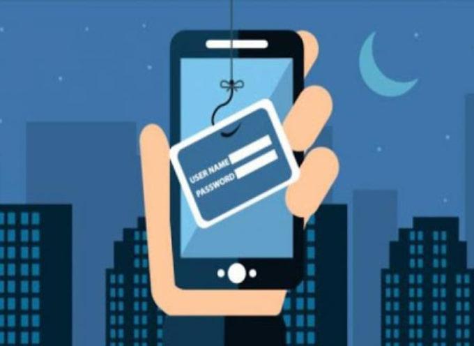 nuova ondata di falsi sms che invitano a cliccare per sbloccare le utenze postali.