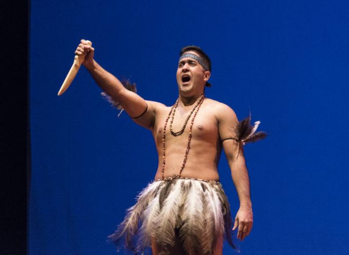 Con il quinto appuntamento della diretta streaming la Cluster propone un'altra opera indigena,