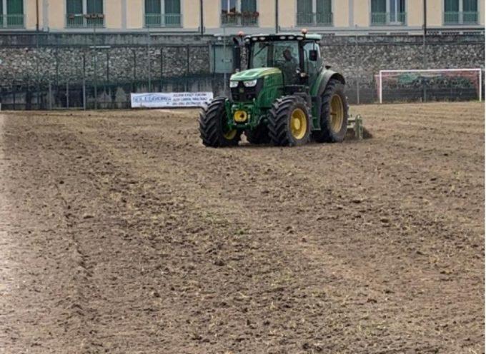 PIETRASANTA – Stadio Comunale, iniziati gli interventi di sistemazione del manto e nuovo impianto irrigazione