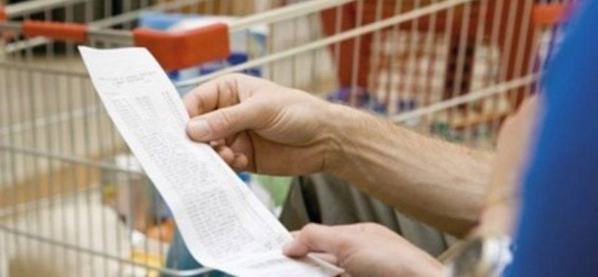 In sei mesi i consumi delle famiglie sono calati di 1879 euro