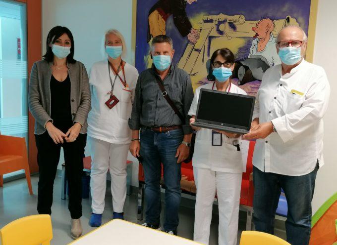Donazione dell'associazione culturale Salvemini alla Pediatria di Lucca