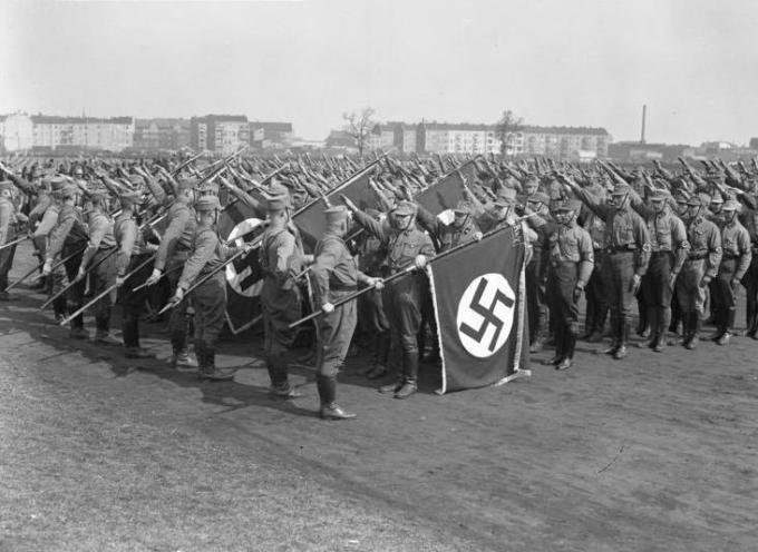 La notte tra il 29 e il 30 giugno del 1934, è ricordata come la Notte dei lunghi coltelli.