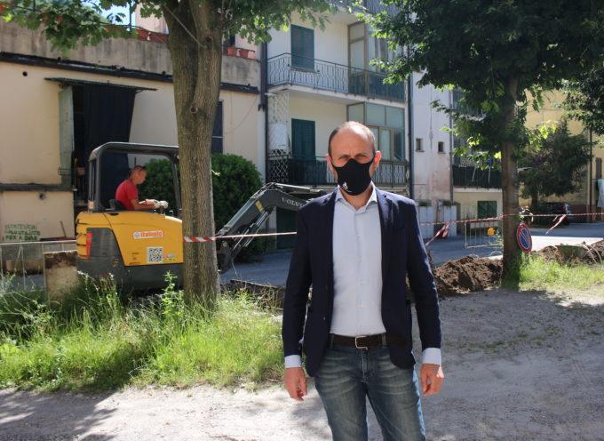 Partiti i lavori al Piaggione per il nuovo impianto di illuminazione: 11 punti luce per una spesa di 28mila euro