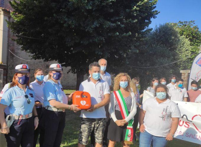 L'ASSOCIAZIONE 'MIRCO UNGARETTI ONLUS' HA DONATO UN DEFIBRILLATORE ALLA POLIZIA MUNICIPALE DI CAPANNORI