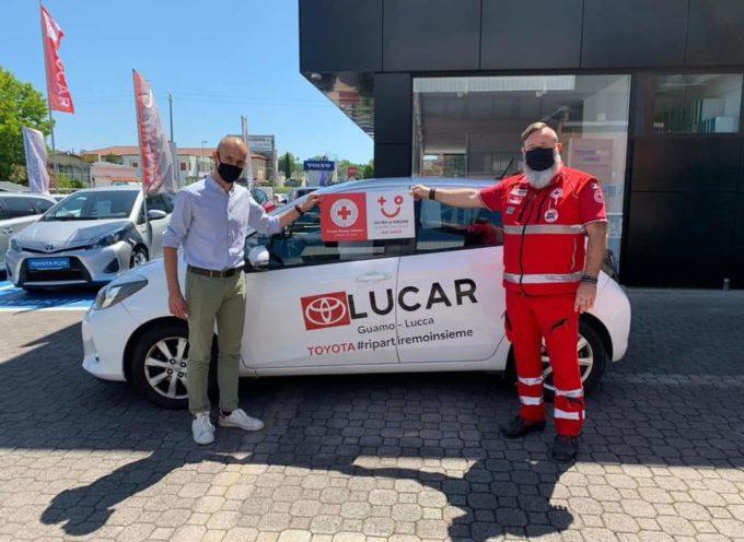 la Lucar dona auto alla Croce Rossa di Lucca