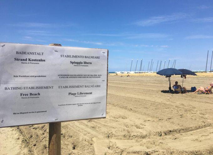 affidata la gestione della spiaggia libera di Motrone, si potranno affittare anche sdraio ed ombrelloni giornalieri