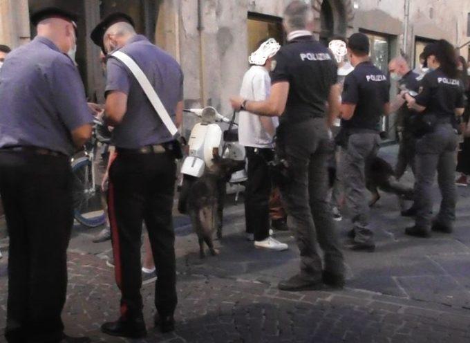 Droga, sanzionati tre giovani in centro storico a Lucca