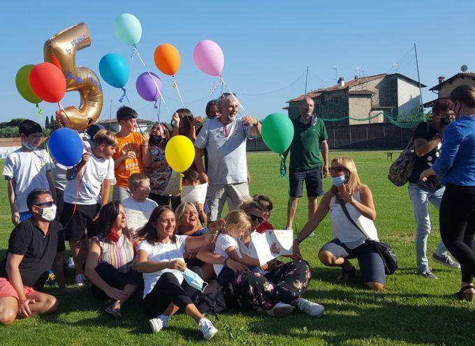 festa di fine anno scolastico allo stadio del Buon Riposo per gli studenti seravezzini
