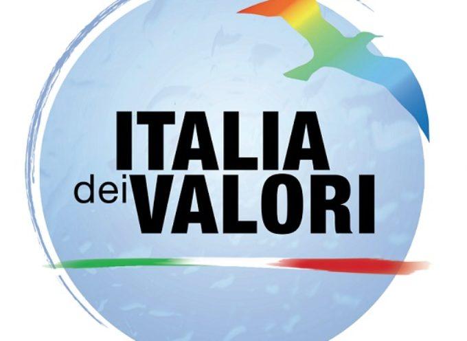 Italia dei Valori: Chi invoca gli Stati Generali o è un ignorante o un antidemocratico.