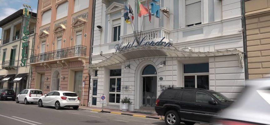 """I turisti tornano negli hotel della Versilia: """"Ma la svolta sarà dal 3 giugno"""""""