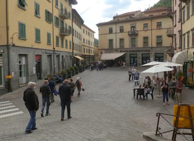 Piazza Umberto chiusa: favorevole e contrari