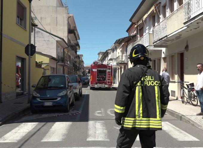 Incendio in centro a Viareggio: nessun ferito
