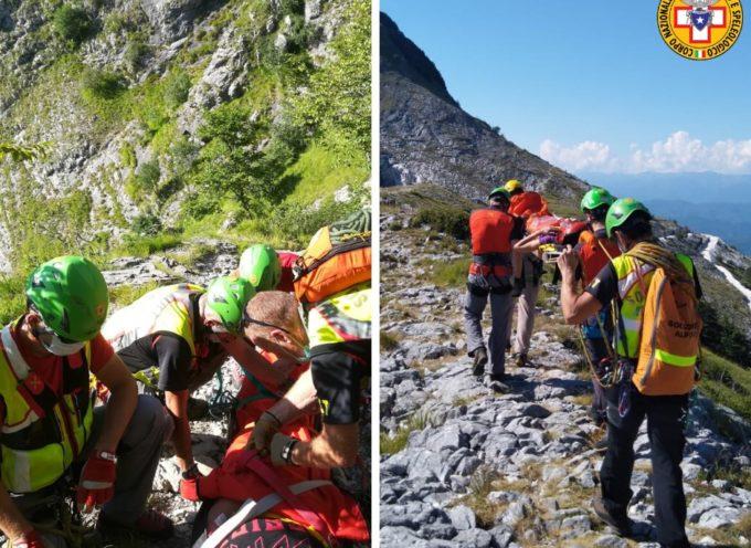 Due interventi molto simili hanno interessato le stazioni di Querceta e Carrara e Lunigiana.