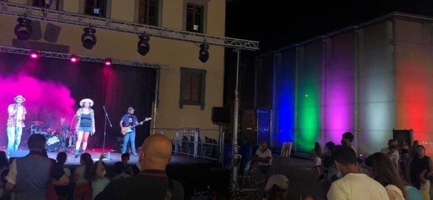 Le prime due serate dell'Estate Porcarese hanno portato in piazza Felice Orsi tante persone curiose,