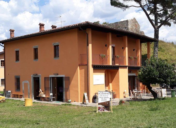 in occasione di Anteprima vini (in Garfagnana) , in Fortezza di Mont'Alfonso potrete trovare anche la fornitissima Osteria di Mont'Alfonso
